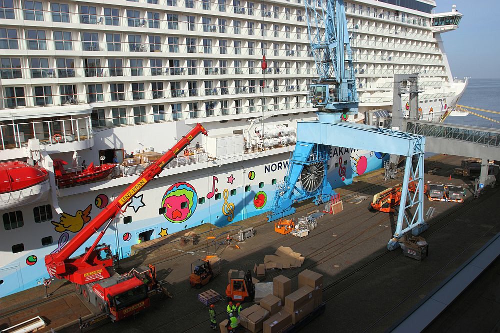 Equipment forcruise ships - a special logistical challenge
